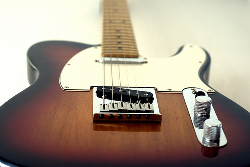 how to pick an electric guitar